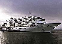 """""""THE WORLD"""": Fosen Mek. fikk økonomisk vanskeligheter etter at cruiseskipet """"The World"""" ble for sent ferdig."""