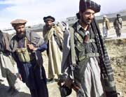 Afghanske soldater 3 mil fra Gardez i Paktia. USA har åpnet en ny offensiv om provinsen, der det antas at 5000 Al Qaida- og Taliban-soldater befinner seg. (Foto: Scanpix/AP/Lefteris Pitarakis)