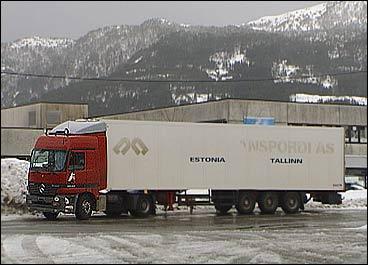 Ein semitrailer frå Estland på norske vegar. Arkivfoto NRK