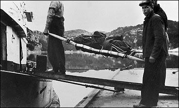 Dei omkomne vart frakta frå Lifjorden til Bergen i slepebåten