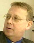 Arne Ettestad vil kvitte seg med meg som politisk motstander før valget, sier Nils Tore Føreland(bildet)