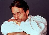 Jeremy Irons kjent både fra TV-serier og fra film - aktuell med Time Machine.