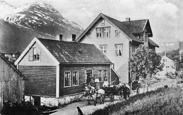 Posthuset i Stryn i 1906. (Foto © Fylkesarkivet)