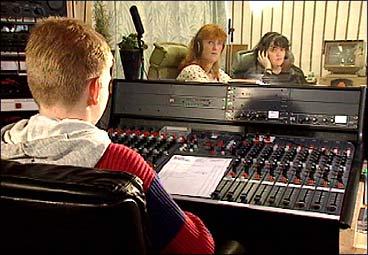 Radio Stryn vart grunnlagt i 1987.