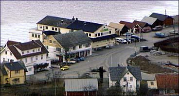 Sentrum i Utvik. (Foto: NRK)