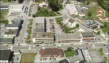 Forretningsbygg i Stryn sentrum. (Foto: Asle Veien, NRK)