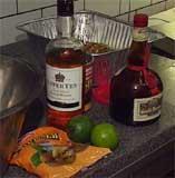 40 ulike ingredienser er med i bryllupskaka, som er grundig dynket med sterke drikkevarer.