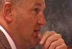 Statsadvokat Kjetil Omholt sier nei til kravet fra Gamal Hosein.