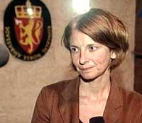 Ambassadør Mona Juul blir ikke hjemkalt.