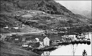 Bjørvikstranda fekk stoggestad i 1934. (Foto © Fylkesarkivet)