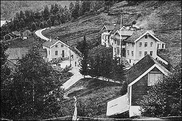 Lundes hotell i Eidevik i Bygstad før 1890. (Foto © Fylkesarkivet)