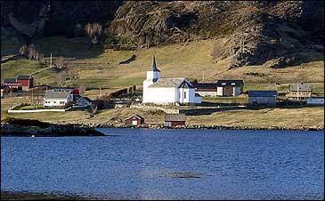 Fr�ya kyrkje i Kalv�g. (Foto: Steinar Lote)