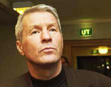 Thorbjøn Jagland har fått i oppdrag å skissere forslag til hvordan fredsprosessen kan komme i gang igjen. (Foto: Scanpix)