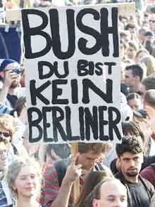 I Tyskland er det massiv motstand mot George W. Bush sine krigsplaner. (Arkivfoto: Scanpix/Reuters)