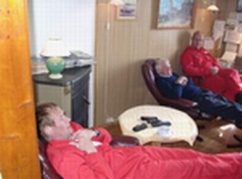 Lite å gjøre: Fyrmester Egil Olsen, fyrmester Gisle Klepsvik og fyrbetjent Ronny Lundø
