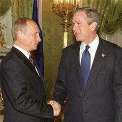 Russlands president Vladimir Putin og USAs president George Bush er ikke helt på bølgelengde når det gjelder Irak om dagen.