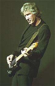 Roger Waters presenterer sine visjoner, vyer og fobier gjennom storslåtte og til tider stormannsgale verk (foto: Morten Holm / SCANPIX).