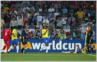 Rivaldo filmet seg til en utvisning i kampen mot Tyrkia i VM i 2002.