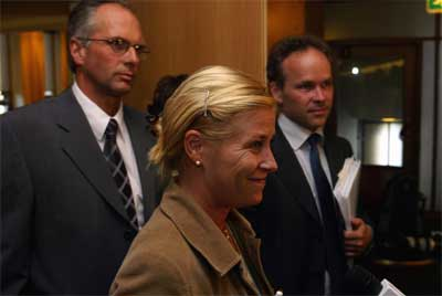 Leder av finanskomiteen, Siv Jensen (Frp), KrFs finanspolitiske talsmann Ingebrigt Sørfonn og Høyres finanspolitiske talsmann Jan Tore Sanner er enige. (Foto: Gunnar Lier/Scanpix)