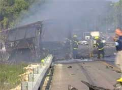 Bomben var meget kraftig og bussen ble totalt ødelagt. (Foto: EBU)