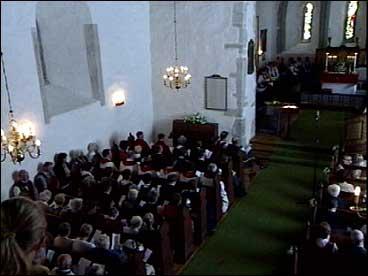 Kyrkja var meir enn fullsett under jubileumsgudstenesta.