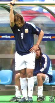 Gabriel Batistuta scoret mot Nigeria, men var skuffet etter at Argentina ble slått ut av VM.