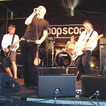 Frode Aga og resten av Popscore viste eit tydeleg talent på NRK scenen.