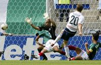 McBride scoret det ene av sine to VM-mål mot Mexico.