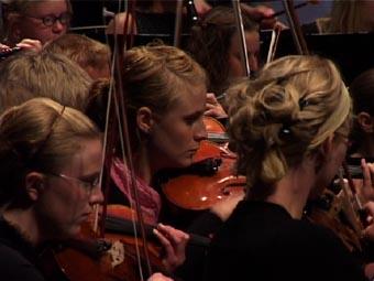 Norrbottens Ungdomssymfoniker under åpningskonserten lørdag kveld.
