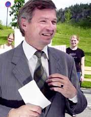Kjell Magne Bondevik vil ikke røre oljepengene (Foto: Scanpix/Tor Richardsen)