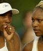 Serena Williams og Venus Williams (Foto: Lamarque/Reuters)
