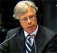 Knut Vollebæk i retten i dag.