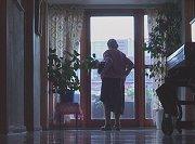 Mange eldre må vente for å komme på toalettet.