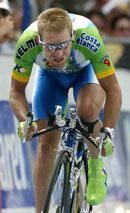 Klatrekongen i 2000 og vinneren av den individuelle tempoetappen, Santiago Botero, parkerte konkurrentene på slutten.