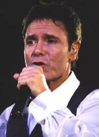 Cliff Richard har solgt mer enn både Beatles og Elvis i Storbritannia. Foto: Arkiv.
