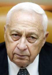 Ariel Sharon fortsetter som Likud-leder. (Arkivfoto: Reuters)