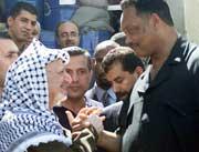 Dagen etter møtte Jackson Yasir Arafat i hovedkvarteret hans i Ramallah. (Foto: Reuters Osama Silwadi)