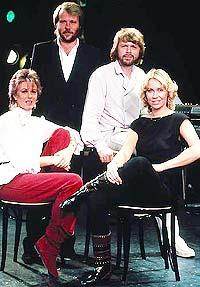 ABBA er 30 år og Sverige hyller sine gamle helter.