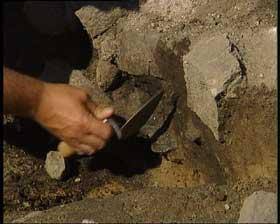 Utgraving av steinalderfunn (Foto: NRK)