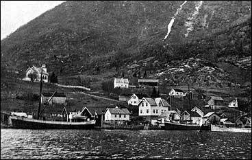Handelsstaden Nese tidleg på 1900-talet. (Foto © Fylkesarkivet)