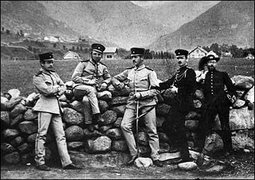 Soldatar på Viksmoen kring 1885. (Foto © Fylkesarkivet)