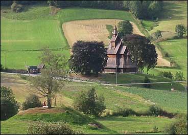 Hopperstad stavkyrkje. (Foto: Arild Nybø, NRK)