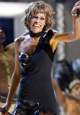 Whitney Houston har vært gjennom mange kriser den siste tiden. Nå utsetter hun sin albumlansering.