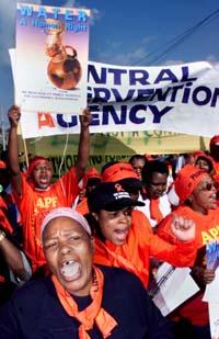 Minst 10.000 mennesker demonstrerte i Johannesburg i dag. (Foto: M. Hutchings, Reuters)