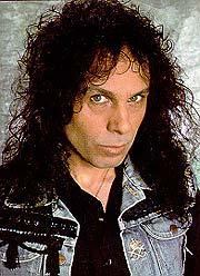 Ronnie James Dio - en sentral skikkelse i 70- og 80-tallets metalsjanger.