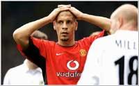 Rio Ferdinand var frustrert etter kampslutt. (Foto: Allsport)