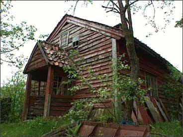 På Tysse står det fleire gamle hus frå Nitter-perioden. (Foto: NRK)
