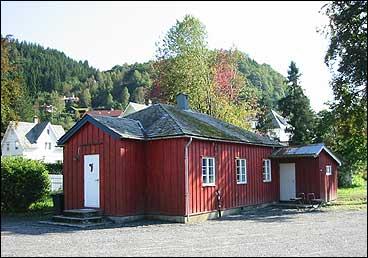 Folkebadet var i bruk til slutten av 1950-talet. (Foto: Arild Nybø, NRK)