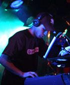 Ugress live i Bergen på Kaliber-turneen 2002 (Foto: Upunkt, NRK)