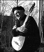 Jakob Sande med lutten i 1966.